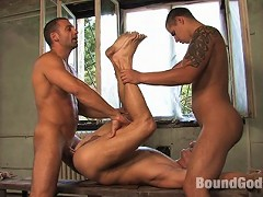 Two soldiers, Antonio Rinaldi and Renato Dellagio, chase naked Steve Hunt through the woods.
